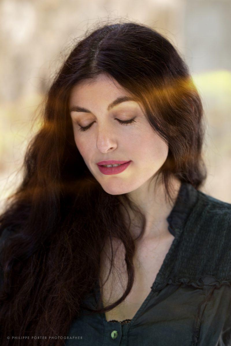 Gera Bertolone Singer musician Portrait by Philippe Porter photographe paris geneva Editorial, communication